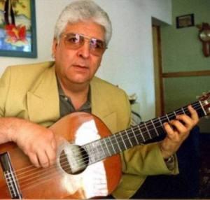 Jorge Viñas, al pie del vigía