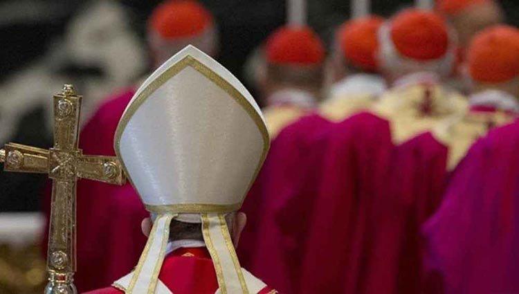 Francia: pederastía en la Iglesia y piden que renuncien todos los obispos